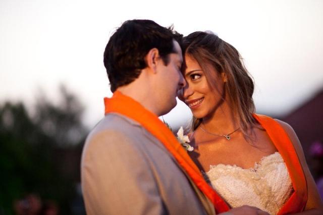 Vestida de noiva, by Lethicia